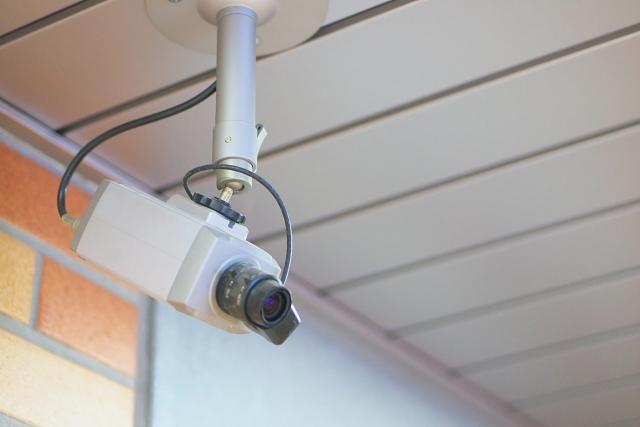 犯人特定に役立つのが役立つのが防犯カメラ