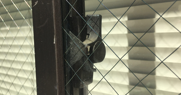 窓の防犯大丈夫!?クレセント錠の役割と効果のある防犯対策